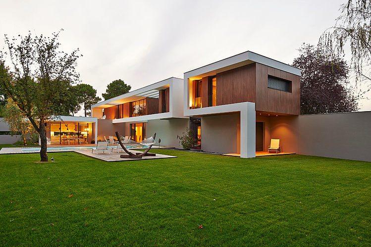 แบบบ้านสวยสองชั้นแนวร่วมสมัย Contemporary อบอุ่นน่าอยู่ « บ้าน ตกแต่งบ้าน  DIY แบบบ้านสวย เฟอร์นิเจอร์ บ้านและสวน